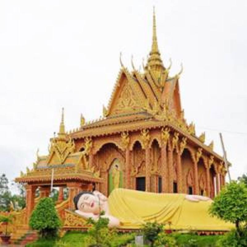 Chùa miên Cà Mau (chùa Monivongsa Bopharam)